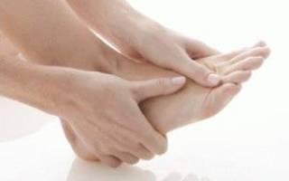 Почему немеет пятка на левой ноге