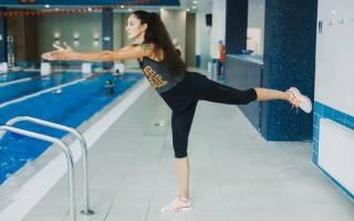 Упражнения на воде в бассейне