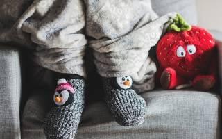 Почему мерзнут ноги у пожилых людей