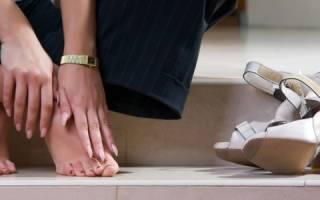 Болит тыльная сторона стопы