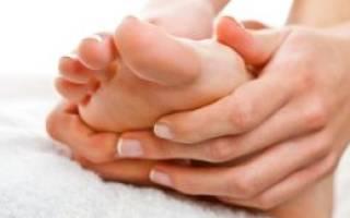Почему трескается кожа между пальцами на ногах