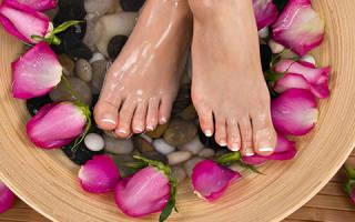 Потеют ноги что делать как лечить